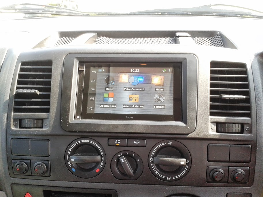 stereo satnav upgrade for t5 vw t4 forum vw t5 forum. Black Bedroom Furniture Sets. Home Design Ideas