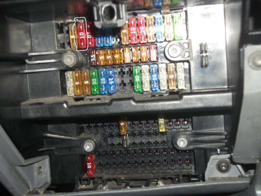 fuse no 3 in fuse box vw t4 forum vw t5 forum in fuse box under ash tray fuse no 3 10a can someone tell me which circuit this is for as dont have any fuse box diagrams many thanks dave