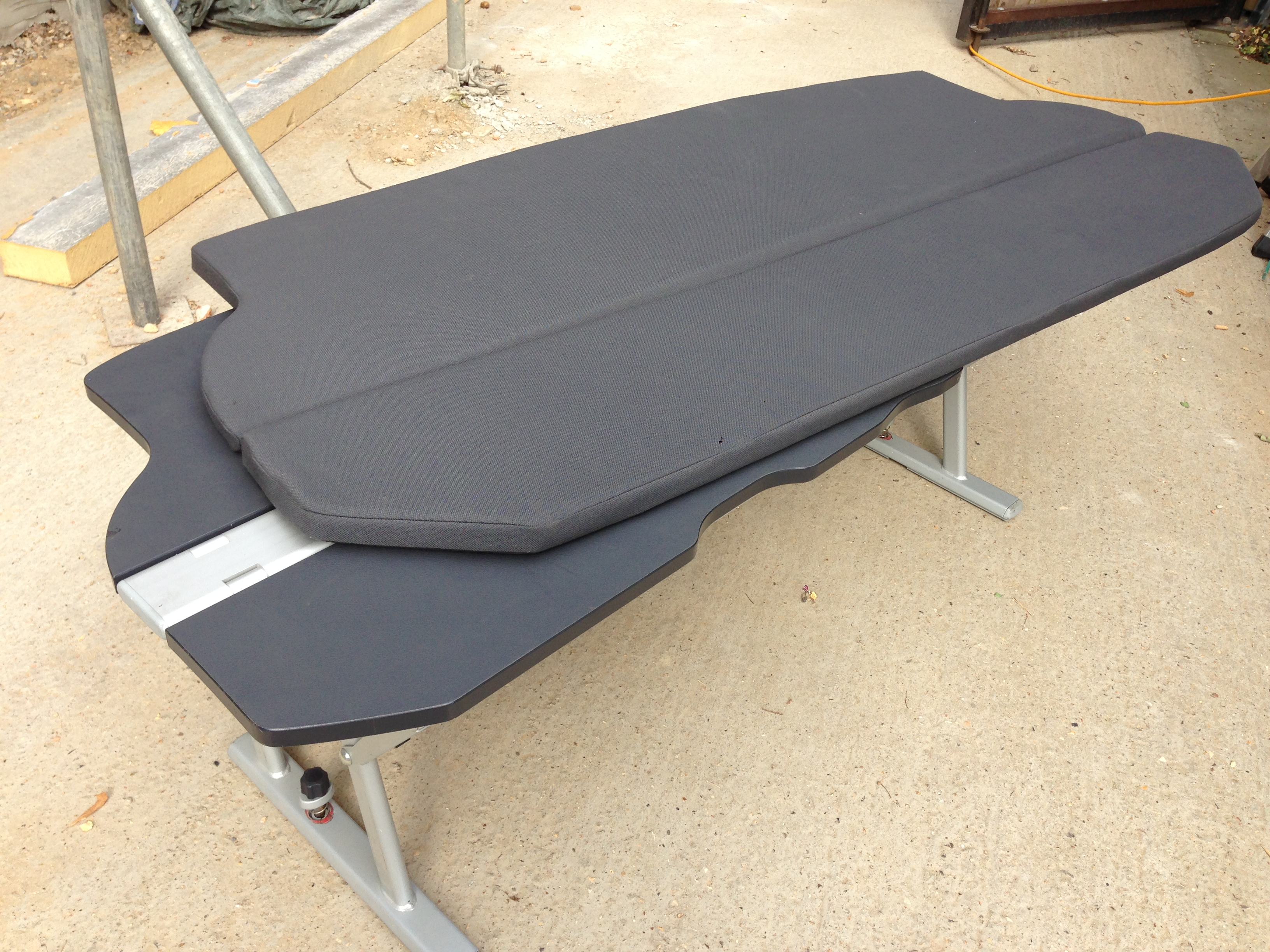 multiflexboard vw t5 california bench with matress and. Black Bedroom Furniture Sets. Home Design Ideas