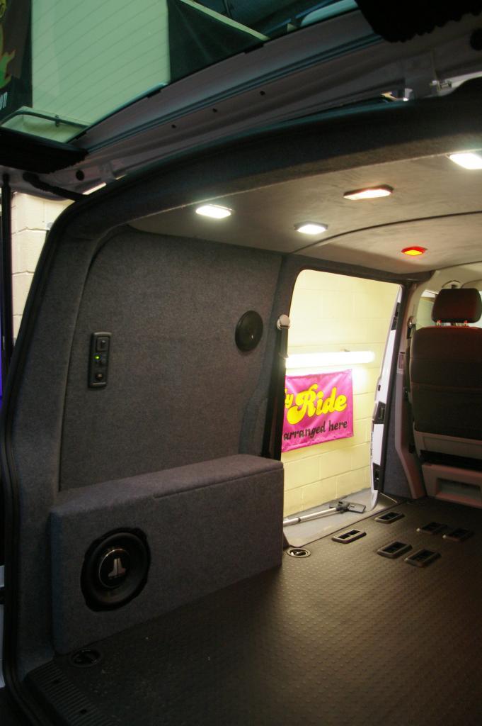 fitting speakers vw t4 forum vw t5 forum. Black Bedroom Furniture Sets. Home Design Ideas