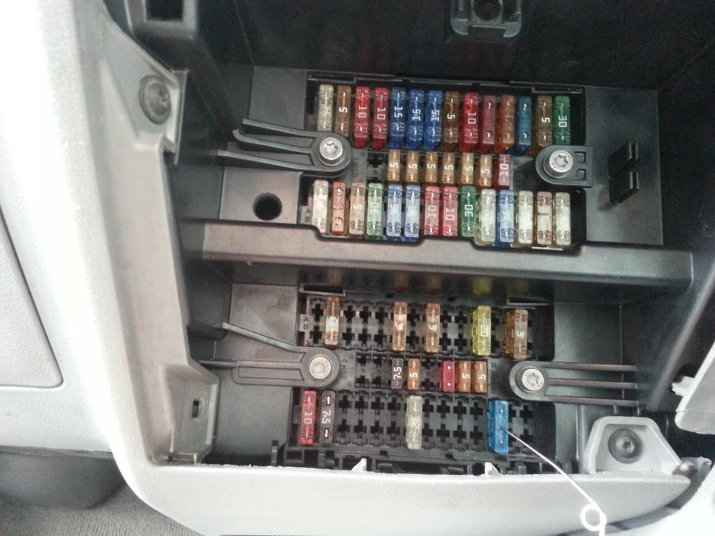Vw T4 Fuse Box Wiring Diagram Library Car Cables This Is Taking 200milliamps What It For